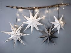 Rain of stars and light- Pluie d'étoiles et de lumière Rain of stars and light – PLANET DECO a homes world - ideasdecoracionnavidad Christmas Feeling, Cozy Christmas, Christmas Photos, Christmas Crafts, Christmas Star, Christmas Ideas, Diy Christmas Decorations, Holiday Decor, Diy Decoration