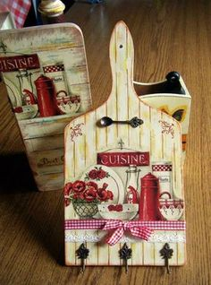 Meat Board Upcycled Crafts A meat board which is actually a cutting board is a durable one which we place the material for cutting especially meat and vegetables. Decoupage Vintage, Decoupage Art, Ideas Decoupage, Vintage Art, Wood Crafts, Diy And Crafts, Arts And Crafts, Upcycled Crafts, Tole Painting