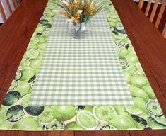 caminhodemesa Table Runner And Placemats, Table Runner Pattern, Quilted Table Runners, House Quilts, Barn Quilts, Kitchen Kit, Sewing Magazines, Table Toppers, Crafts To Make