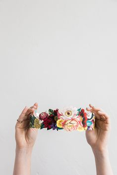 print off this free floral crown