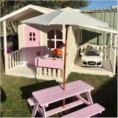 How cute😍😍 the Billie Cubby House and Carport. Billie Cubby and Ca… How cute – the Billie Cubby House … Backyard Playhouse, Backyard Playground, Backyard For Kids, Playhouse Ideas, Little Tikes Playhouse, Toddler Playhouse, Playhouse Decor, Outside Playhouse, Girls Playhouse