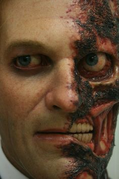 Two Face (Batman) special effects make-up Love the double face concept.
