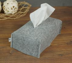 Fabric tissue box cover, Felt Kleenex box etui, Kitchen Décor, Grey felt napkin cover