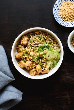 Soba noodle bowl with crispy baked tofu vegan, gluten-free the new baguette Vegetarian Recipes Dinner, Tofu Recipes, Vegan Dinners, Clean Recipes, Healthy Recipes, Vegetarian Soup, Sin Gluten, Gluten Free, Tofu Noodles