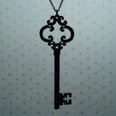 I love skeleton key necklaces, trying to find the perfect one