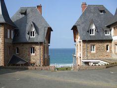 Perros Guirec Bretagne France Provinces Of France, Holiday Destinations, Travel Destinations, Photo Bretagne, Region Bretagne, Belle France, Walking Holiday, Brittany France, Visit France