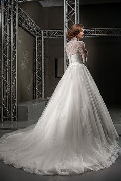 131721 2016 Autumn silk bridal wedding gowns, Signature collection. Lace wedding dresses. Sexy wedding dresses