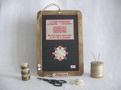 """modèle créé et offert au """"marquoir"""" présent à une ancienne expo Sigean brodé par chanvre et lin"""