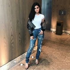 emeraude toubia, shadowhunters, and the mortal instruments afbeelding