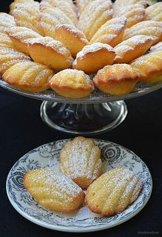 Con sabor a canela: Madeleines No Bake Desserts, Dessert Recipes, Baking Desserts, Sour Cream Banana Bread, Mexican Sweet Breads, Muffins, Puff Recipe, Cupcakes, Cake Cookies
