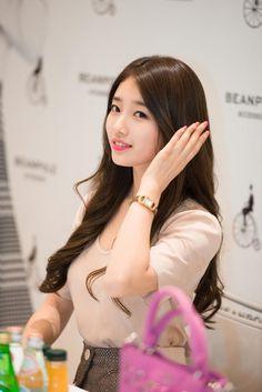 Miss A Suzy Korean Girl, Asian Girl, Korean Idols, Korean Beauty, Asian Beauty, Asian Hair And Makeup, Korean Makeup, Miss A Suzy, Beauty And Fashion