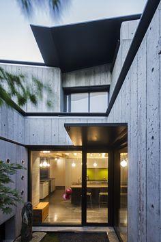 Cloister House | Measured Architecture Inc., photo: Nic Lehoux
