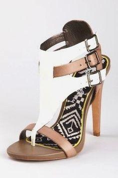 buy popular ab2a9 e6c73 Die 49 besten Bilder von shoes   High heel pumps, Heels und Shoes heels