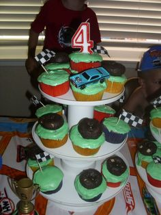 hot wheel party cupcakes
