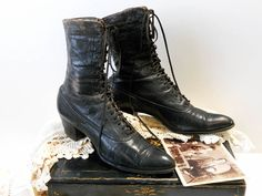 9f7fc02ff698c 116 Best vintage shoes images in 2018 | Old boots, Old shoes ...