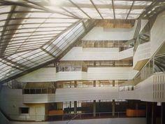 Fragment wnętrza siedziby wydziału historii Uniwersytetu Cambridge, 1964-1967, James Stirling