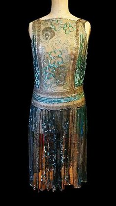 Breathtaking 1920s Museum Quality French Sparkling Net Eve Flapper Dance. Front