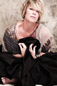 Mia Michaels' passion for her craft brings tears to my eyes just thinking about it.  To reach even a portion of her level of excellence in what I do, would make me a BLESSED and super successful woman.  She inspires me!!!