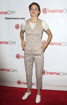 Shailene Woodley sported an androgynous look after a really long time. They used to be pretty common in her wardrobe a long time ago, but she's taken to more feminine attire for awhile to keep up with her growing fame. Androgynous Look, Shailene Woodley, Long Time Ago, Keep Up, Jumpsuit, Feminine, Pretty, Mood, Dresses