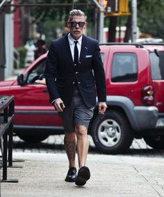 Gq Mens Style, Gq Style, Nick Wooster, Cool Street Fashion, Short Outfits, Jacket Style, Stylish Men, Dress Codes, Dress To Impress