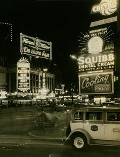 """ein-bleistift-und-radiergummi: """" Times Square, New York City, Early """" Nyc, Old Pictures, Old Photos, Manhattan, 1940s, New York City, Photo New York, Times Square, A New York Minute"""