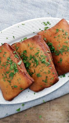 - Short Rib Beignets Tender, flavorful short ribs wrapped in perfectly fried dough. Beignets, Appetizer Recipes, Dinner Recipes, Meat Appetizers, Beef Recipes, Cooking Recipes, Good Food, Yummy Food, Short Ribs