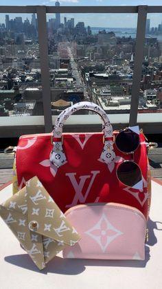 Dior Handbags, Kate Spade Handbags, Handbags Michael Kors, Louis Vuitton Handbags, Purses And Handbags, Burberry Handbags, Louis Vuitton Luggage, Burberry Tote, Louis Vuitton Accessories