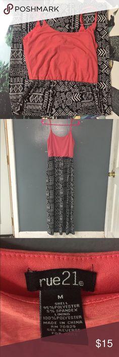 Maxi Dress Sz M Rue 21 Maxi Dress in Great condition. Size Medium - Coral Pink, Black & White Rue 21 Dresses Maxi