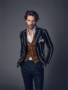 Greatest bohemian style for men outfits ideas Dapper Gentleman, Gentleman Style, Bohemian Style Men, Mode Man, Estilo Preppy, Mode Costume, Dandy Style, Women's Henley, Vintage Mode