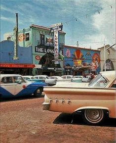 Always Retro Tijuana, - Vintage and Retro Cars Aesthetic Vintage, Aesthetic Photo, Aesthetic Pictures, 90s Aesthetic, Photo Wall Collage, Picture Wall, Vintage Cars, Retro Vintage, Retro Art