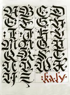Tatouage lettre alphabet gothique titus alpha - Lettre graffiti modele ...