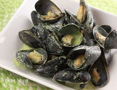 Mussels in Basil Cream Sauce Servings: 3 • Serving Size: 14 mussels • Old Points: 9 pts • Points+: 9 pts Calories: 370.6 • Fat: 24.0 g • Protein: 20.6 g • Carb: 11.7 g • Fiber: 0.4 g • Sugar: 2.1 g Sodium: 973.1 mg