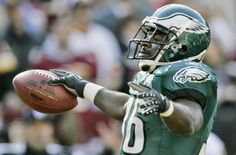 Brian Westbrook so happy that he's retiring as an eagle!! :)