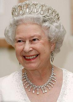 Queen Elizabeth II wears the Grand Duchess Vladimir tiara Royal Crowns, Royal Tiaras, Royal Queen, King Queen, Queen Mary, Queen Elizabeth Tiaras, Pictures Of Queen Elizabeth, Windsor, English Royal Family