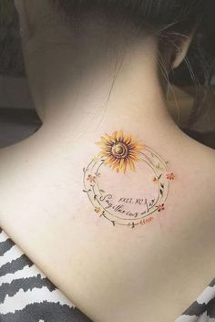 Get Yourself Inspired With Our Sunflower Tattoo Ideas Significance of a Sunflower Tattoo ★ A lot of beautiful designs for women. Here you will find not only simple, minimalistic or small watercolor sunflower tattoo ideas, but also more complic Form Tattoo, Model Tattoo, Shape Tattoo, Tattoo You, Back Tattoo, Wrist Tattoo, Watercolor Sunflower Tattoo, Sunflower Tattoos, Sunflower Tattoo Design