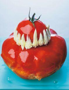 Une religieuse à la tomate, un péché mignon créé sur mesure par Dalloyau, qui revisite audacieusement ce grand classique de la pâtisserie.