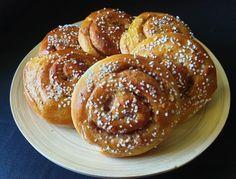 Horn med ost og skinke - Fra mitt kjøkken Doughnut, French Toast, Baking, Breakfast, Desserts, Horn, Pasta, Morning Coffee, Tailgate Desserts