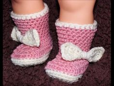 Big Bow Crochet Baby Booties - Newborn to 18 Month Sizes. Use pattern to make into cowboy boots etc for boys