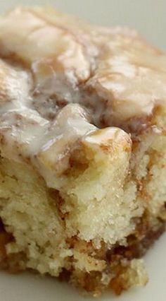 Cinnamon Swirl Cake, Cinnamon Cake Recipes, Easy Cake Recipes, Easy Desserts, Baking Recipes, Cinnamon Coffee Cakes, Best Cinnamon Roll Recipe, Angle Food Cake Recipes, Cinnamon Roll Cheesecake