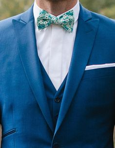 Trieste, Costume Marie Bleu, Wedding Dress Men, Blue Hour, Groom And Groomsmen, Wedding Colors, Mens Fashion, Dress Man, Look Chic