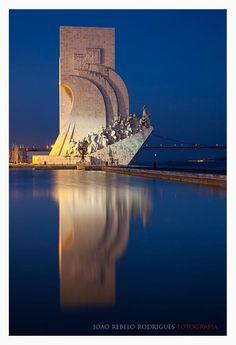 O Monumento aos Descobrimentos, popularmente conhecido como Padrão dos Descobrimentos