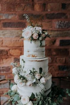 2019 Most Popular Wedding Cakes You Will Love---Semi Naked Wedding Cake with Flowers Outdoor Wedding Ceremony, greenery wedding cakes, greenerry wedding ideas, sage green and blush wedding color combos Floral Wedding Cakes, Wedding Cake Rustic, Elegant Wedding Cakes, Wedding Cakes With Flowers, Wedding Cake Designs, Trendy Wedding, Romantic Weddings, Outdoor Wedding Cakes, Vintage Weddings