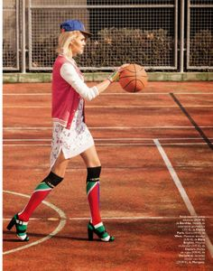 """Editorial Grazia Spain March 2014 """"Cancha A La Moda"""" Feat Luisa Hartema By Sebastian Briech Sport Editorial, Editorial Fashion, Tennis Fashion, Sport Fashion, Mode Tennis, Style Photoshoot, Style Sportif, Football Fashion, Relaxed Outfit"""