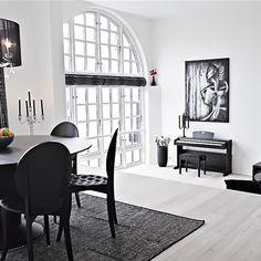 Weiße Esszimmer, Schwarz Esstische, Schwarz Und Weiß, Schwarz Weiß  Dekoration, Wohnungen, Maisonette Wohnung, Wohnungseinrichtung, Schwarze  Menschen, ...