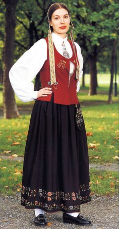 FolkCostume&Embroidery: Overview of Norwegian costume, part 4 The North Norwegian Clothing, Folk Dance, Ethnic Dress, Folk Costume, Norway, Scandinavian, Lace Skirt, Lofoten, Embroidery
