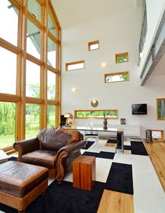 Features Ultimate Venting Picture windows and Ultimate Casement picture windows. - See more at: http://www.marvin.com/window-door-ideas/window-pictures/#sthash.cMppUJ1i.dpuf