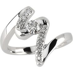 Pretty Engagement Ring #ring a5-cute-engagement-rings