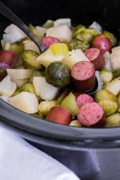FAMILY FAVORITE Slow Cooker Kielbasa, Brussels Sprouts and Potatoes! This healthy dinner is so easy to make as it only takes 5 hours in the crock pot! Brussel Sprout Soup, Carrots Slow Cooker, Slow Cooker Kielbasa, Brussels Sprouts, Slow Cooking, Vegan Cooking Classes, Cooking Panda, Freezer Cooking, Recipes