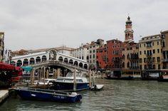 Ponte Rialto, no Grande Canal