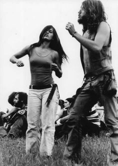 hippie life 383298618287199542 - Never Before Seen Photos of Woodstock – Page 3 of 19 – The Grizzled Source by frelondauphinoi 1969 Woodstock, Woodstock Hippies, Woodstock Festival, Woodstock Music, Woodstock Concert, Hippie Peace, Hippie Love, Hippie Chick, Hippie Gypsy